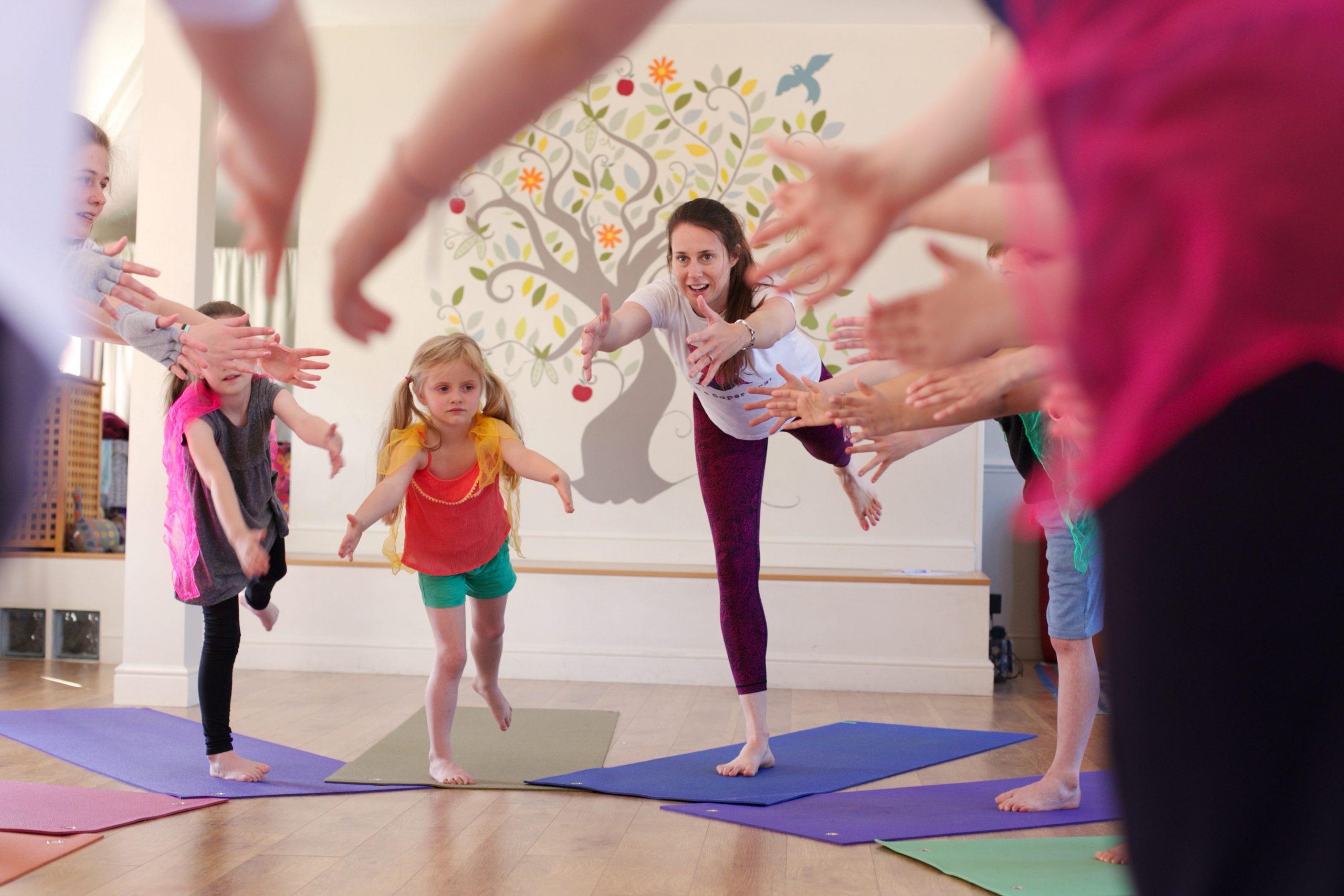 super_yogis_family_yoga