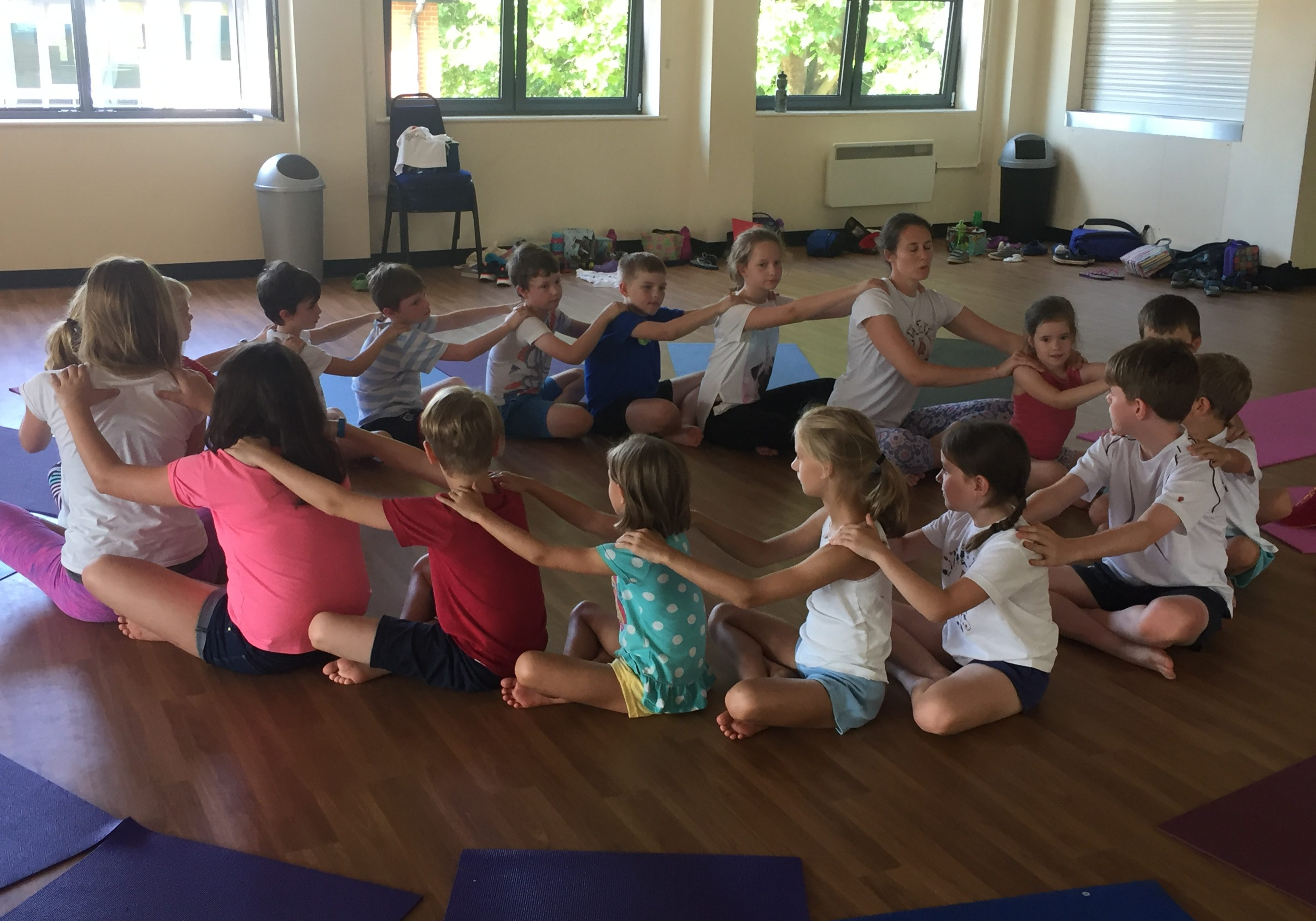 children's-yoga-surrey