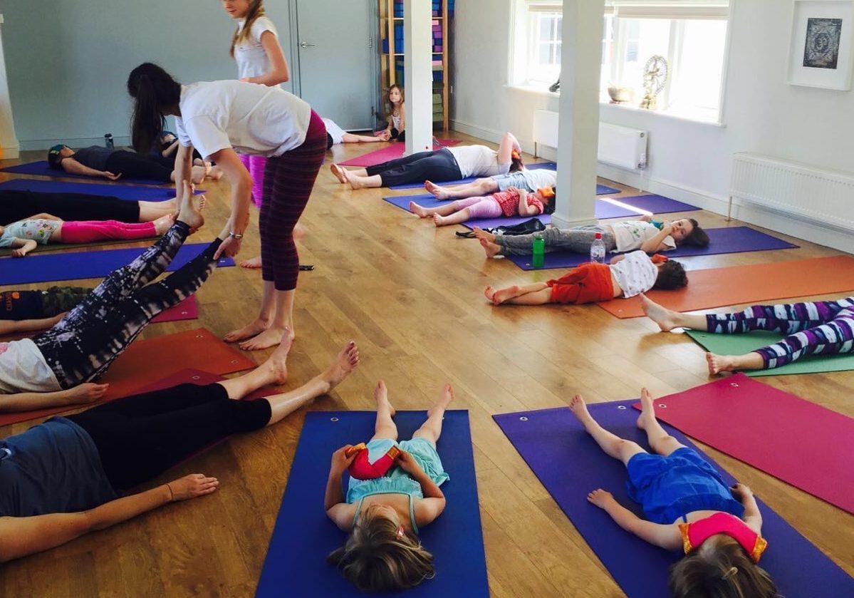 kids_yoga_surrey